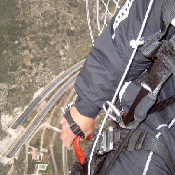 mano-paracaidas-16
